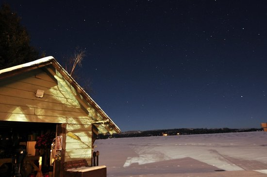 Gunflint Lodge & Outfitters: Near midnight on Dec 31st 2012