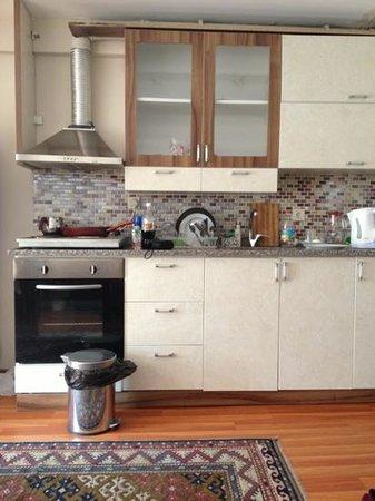 Mataraci Apart Istanbul: kitchen