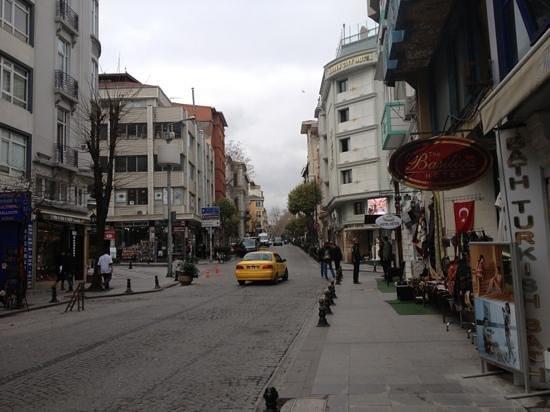 Mataraci Apart Istanbul: the street below