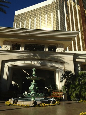 Four Seasons Hotel Las Vegas: Entrance