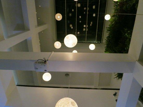 Tantalo Hotel / Kitchen / Roofbar: Decor