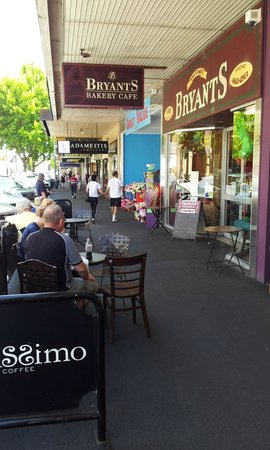 Bryant's Bakery Cafe: Street view