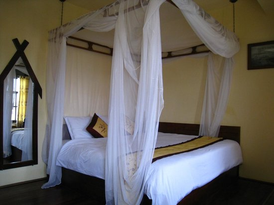 Saphir Dalat Hotel: 床很漂亮