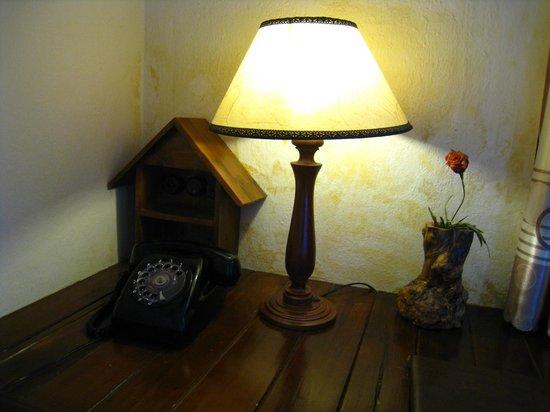 Saphir Dalat Hotel: 插電處(插頭比較少,只有這裡)