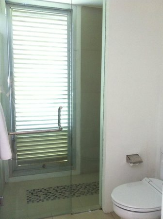 Astana Kunti: Bathroom