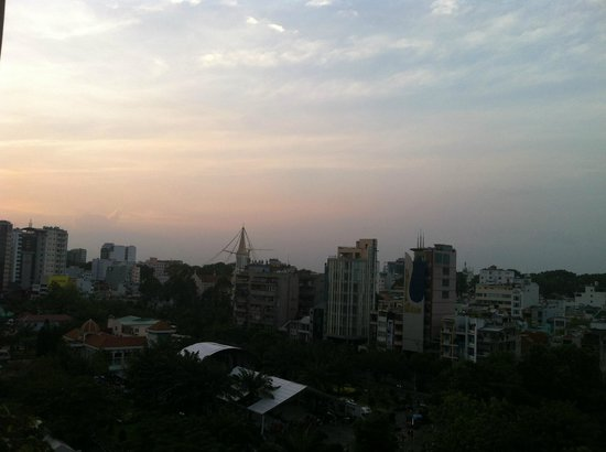Liberty Hotel Saigon Parkview: 夕陽