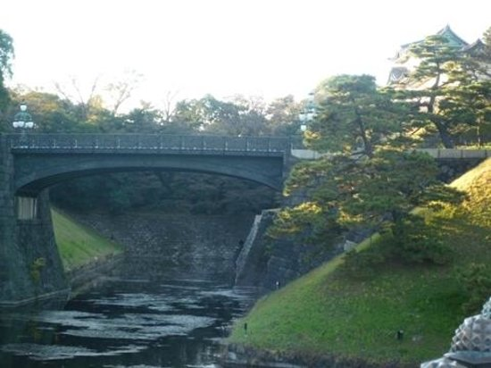 二重橋02 - Picture of Two-tiered Bridge (Ni-ju Bashi), Chiyoda - TripAdvisor