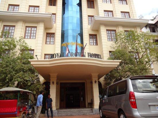 Royal Crown Hotel: ホテル正面入口