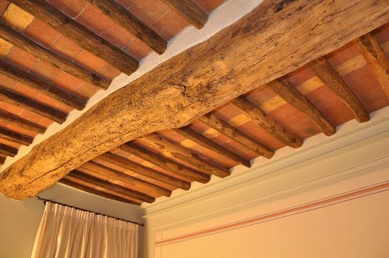 Albergo San Martino: Soffitto camera