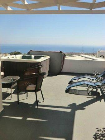 Tataki Hotel: terrazzo privato con jacuzzi