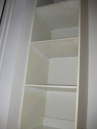 Paradise Centre Apartments: old shelves