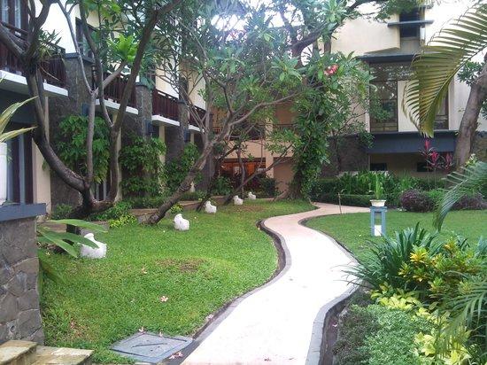 Novotel Surabaya Hotel and Suites: Landscape