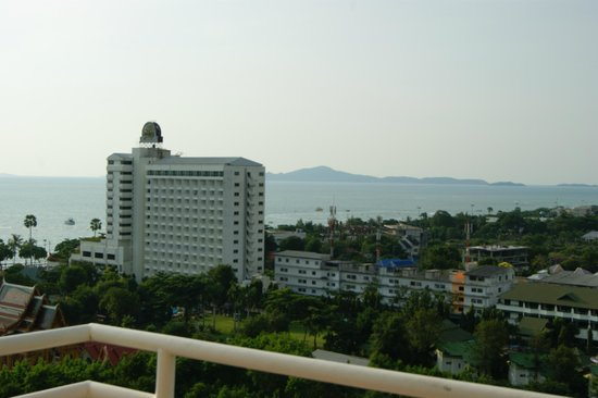 Welcome Jomtien Beach Hotel: вид с балкона на море