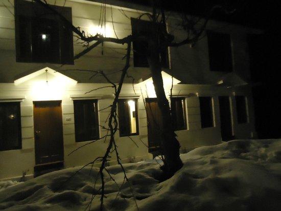 Sparsh Resort: hotel exterior