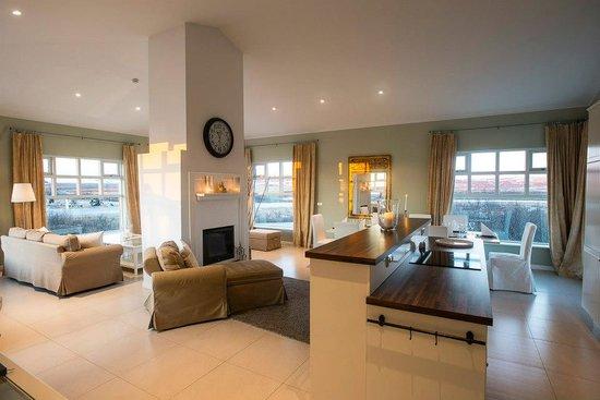 Hotel Grimsborgir : Living room at four bedroom apartment