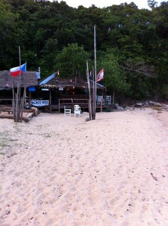Pinnacle Resort Samui: Black Rose - Bar am Ende des Strandes
