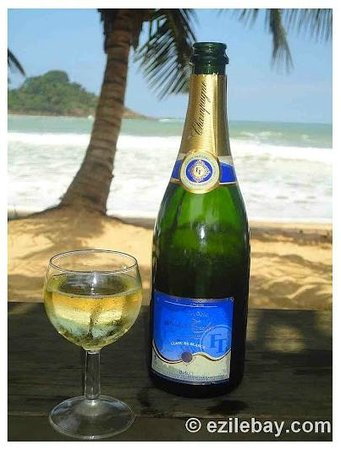 Ezile Bay Village: Champagne !