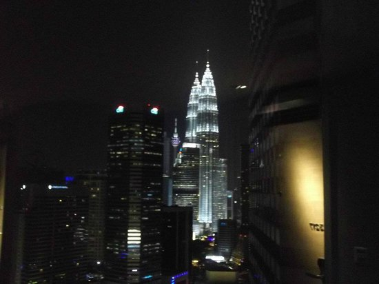 DoubleTree by Hilton Hotel Kuala Lumpur: View from outside our room.
