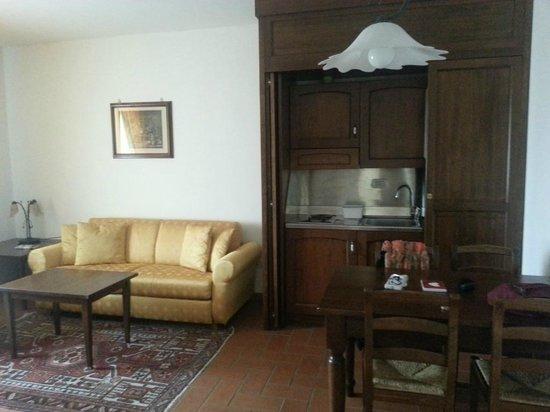 "La Fenice Park Hotel: Living room / kitchenette suite ""Sorano"""