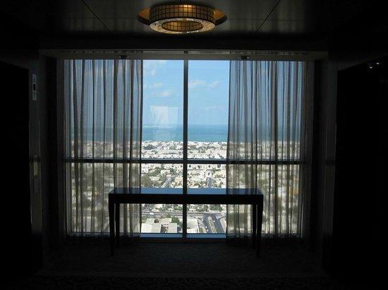 Shangri-La Hotel, Dubai: View from the hotel towards the ocean