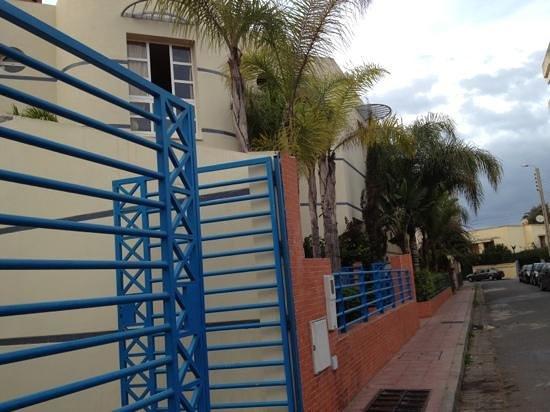 Hammam Solidarite Feminine:                                     look for the blue railings to find the hammam