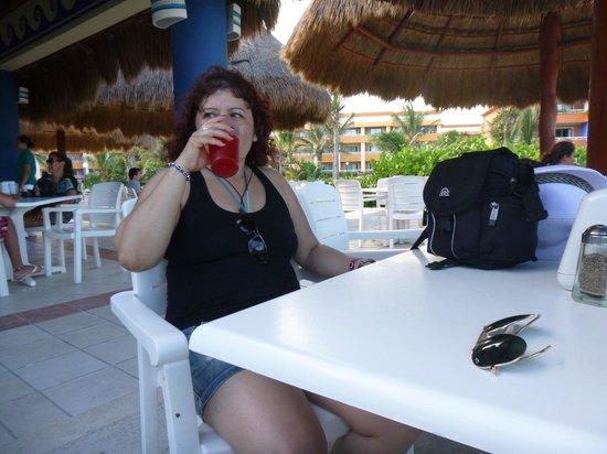Grand Bahia Principe Tulum: Sabrosas bebidas.. !!