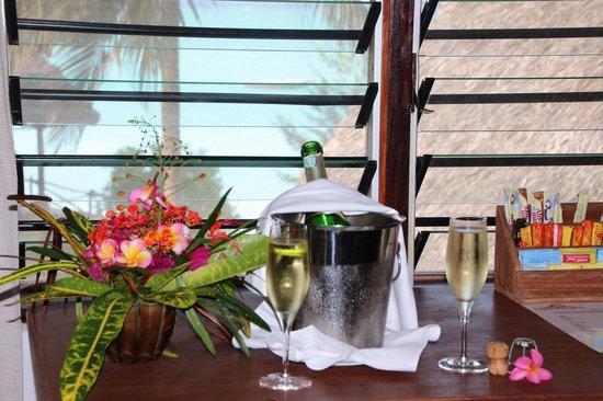 Ras Nungwi Beach Hotel: Champagne offert à l'arrivée