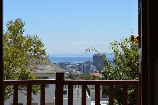 Acorn House: A view of Cape Town from our room