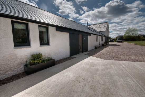 Gask House Farm Cottages: Outside the cottages