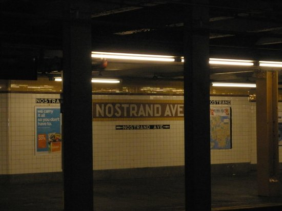 BEST WESTERN PLUS Arena Hotel: Nostrand Ave Subway 2 blocks away !