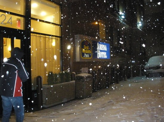 BEST WESTERN PLUS Arena Hotel: New Yorkers love the snow !