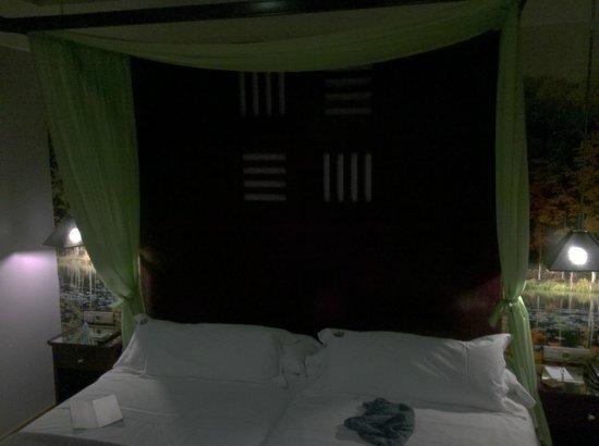 Suites Gran Via 44: Dormitorio principal