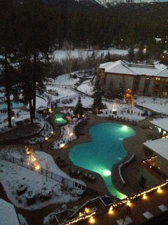 Hyatt Regency Lake Tahoe Resort, Spa and Casino: view from hotel room at night:)