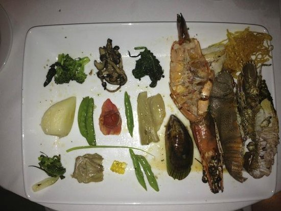 The Sarojin: Seafood selection contains more vegetables than seafood