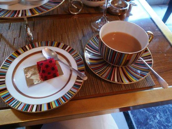 The Berkeley : Prêt-à-Portea tea and cake