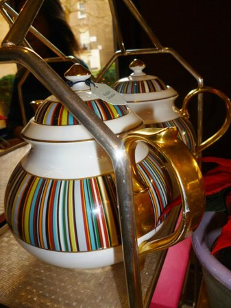 The Berkeley : Prêt-à-Portea tea pots