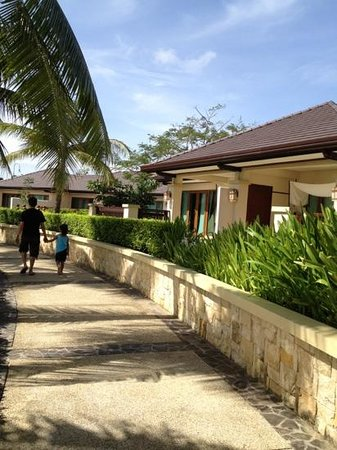 Crimson Resort and Spa, Mactan: A walk to remember