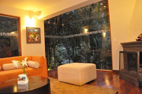 Aranwa Sacred Valley Hotel & Wellness: Vista desde nuestra Suite del río Urubamba