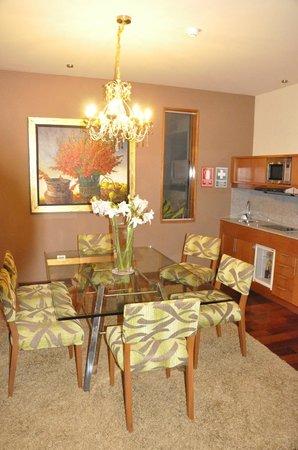 Aranwa Sacred Valley Hotel & Wellness: Esszimmer der Suite
