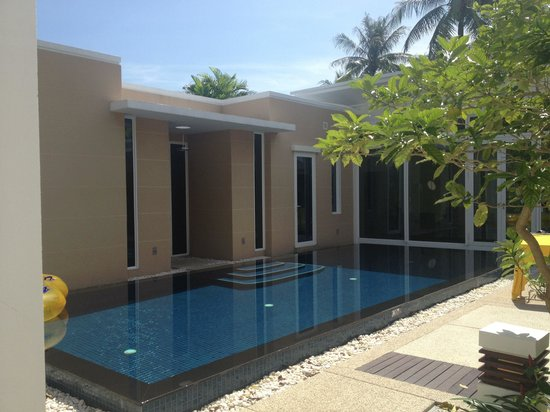 Grand West Sands Resort & Villas Phuket: Private pool