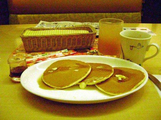 Tokyu Stay Shibuya Shin-minamiguchi : Johnathan's Family restaurant has other breakfast options