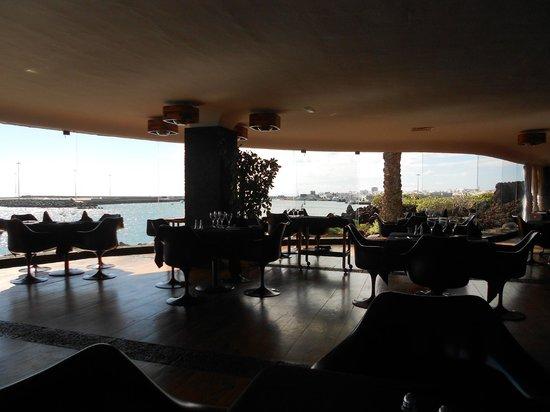 QueMUAC - Castillo de San Jose.: Castillo de San Jose restaurant overlooking Arrecife