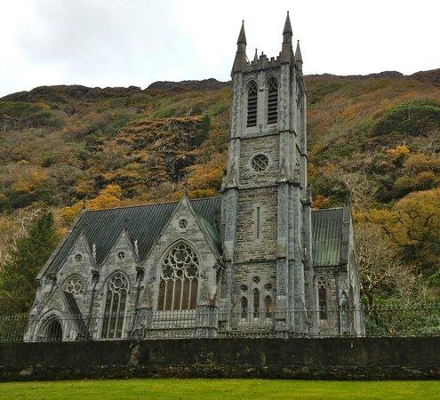 Connemara National Park : Mini-Cathedral at Kylemore Abbey!