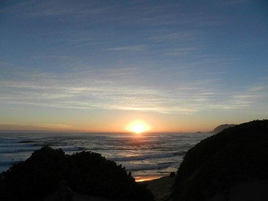 Shearwater On Sea : Sunset seen from Sedgefield beach near resort