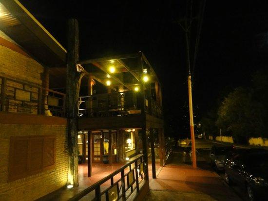 Passaro Suites Hotel: frente hotel passaros