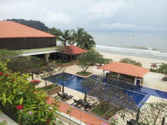 Hyatt Regency Kuantan: looks ok from a distance