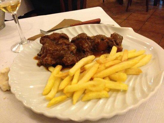 Restaurante Venegas: Rabo de Torro excellent