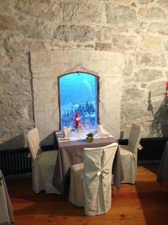 Al Forte Alto: Uno dei tavoli con vista