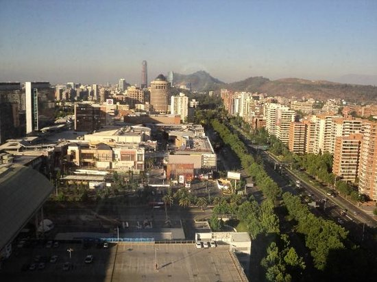 Santiago Marriott Hotel: City view from the room