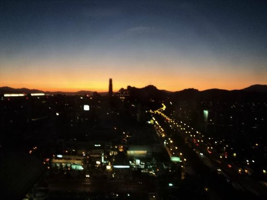 Santiago Marriott Hotel : Sunset from the room